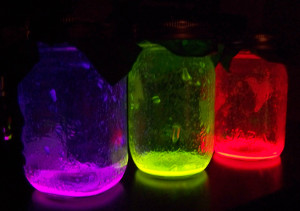 glowing-mason-jars[1]