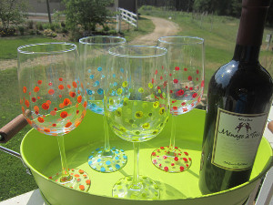 Polka-Dot-Wine-Glasses