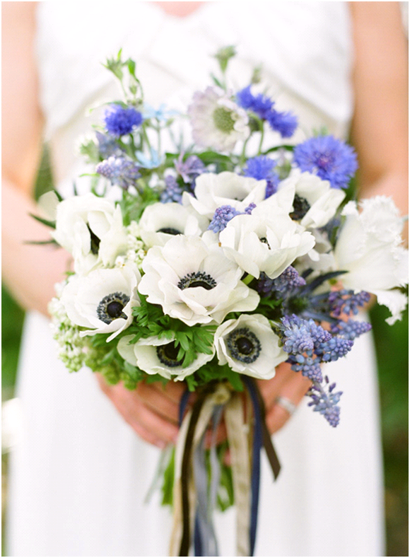 summer-wedding-inspiration-peonies-wedding-flowers-blue-white__full