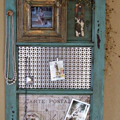 DIY Vintage Window Frame Organizer
