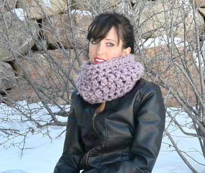 Plum Easy Crochet Cowl