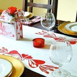 Queen of Hearts Table Runner