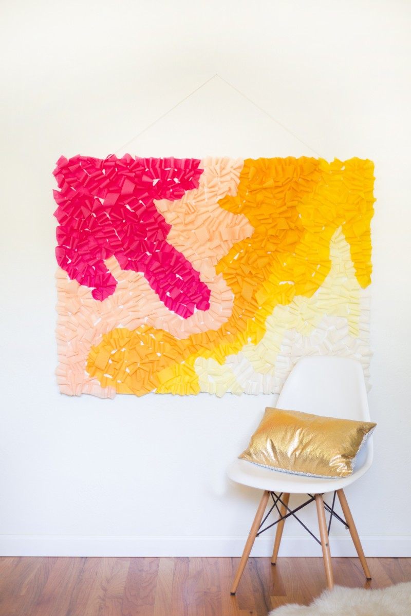 DIY Ombre Ruffled Crepe Paper Photo Backdrop
