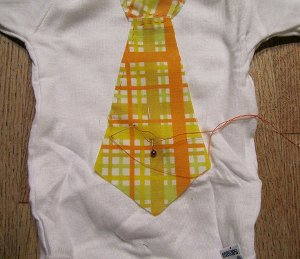 Tie 3 How to: Makeover a Onesie