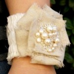romantic ruffled bracelet 150x150 21 Valentines Day Sewing Projects