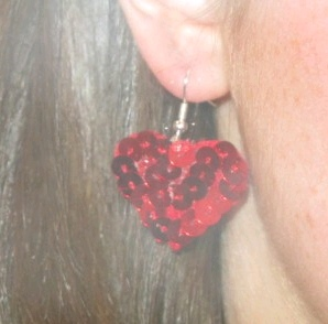 how to: make sequin heart earrings