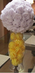 pomander 11 Wedding Centerpieces Part 2: Crepe Paper Pomanders