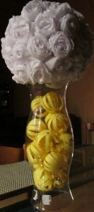 pomander 9 Wedding Centerpieces Part 2: Crepe Paper Pomanders