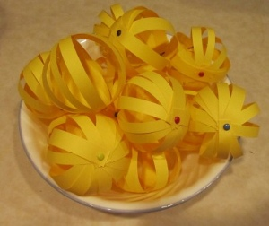vase 6 DIY Weddings: Paper Globes