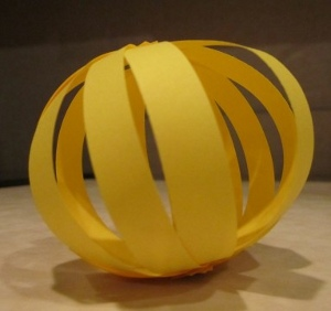 vase 7 DIY Weddings: Paper Globes