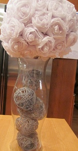 Glue Yarn Ball Centerpieces