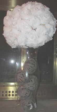 Centerpiece 2 How to Make Glue Yarn Balls