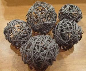 Done 1 How to Make Glue Yarn Balls