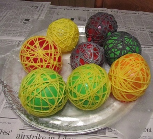 Drying 1 How to Make Glue Yarn Balls