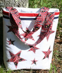 star and stripes tote1 Fireworks, Festivities, and FaveCrafts: Do It Yourself Fourth of July!