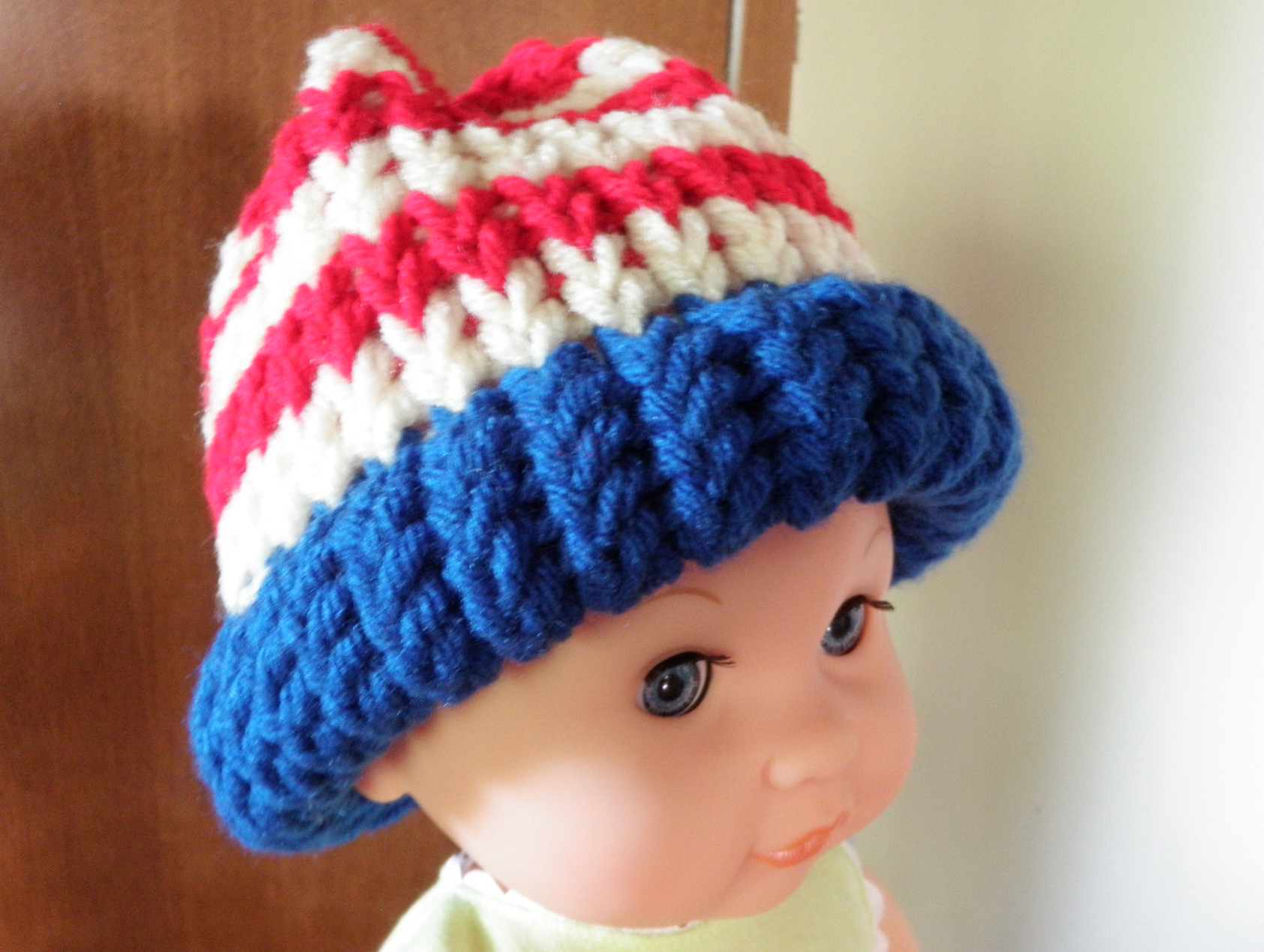 Howto Horizontal Stripe A Hat With Loom Knitting Favecrafts
