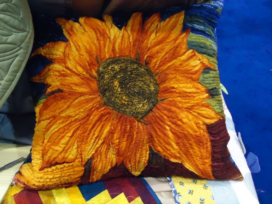 Sunflower Pillow in Pellon booth