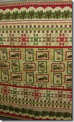 Holly-Days-Greetings-by-Char-Hopeman-Quilt-2