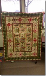 Holly-Days-Greetings-by-Char-Hopeman-Quilt