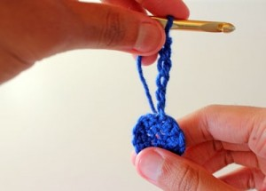 Garland6 300x215 How to Make a Crocheted Garland