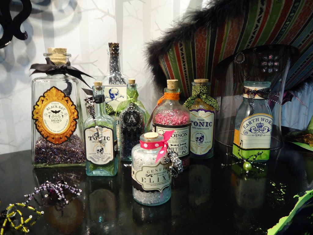 DCWV Halloween Apothecary Jars