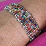 safety-pin-beaded-bracelet