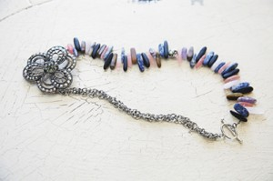 stone-and-sparkle-necklace