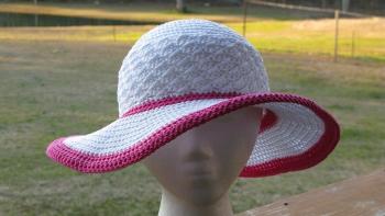 summer hat1 Colorful Spring Crafts Blog Hop Winner!