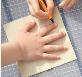 Give a Hand for Mom