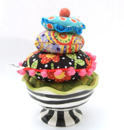 Ice-Cream-Sundae-Pin-Cushion