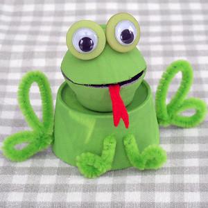 egg-carton-frog
