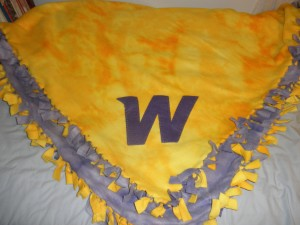 WIU No-Sew Fleece Blanket