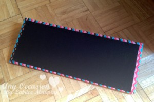 fabric board4 300x199 Brighten Up Your Space With This DIY Fabric Photo Holder