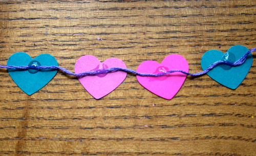 miniature bunting 8 Lovable, Easy Crafts: Miniature Heart Bunting