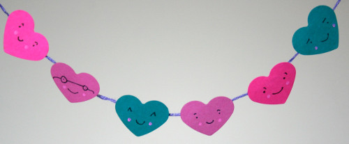 miniature bunting7 Lovable, Easy Crafts: Miniature Heart Bunting