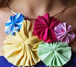 pretty-pinwheel-necklace