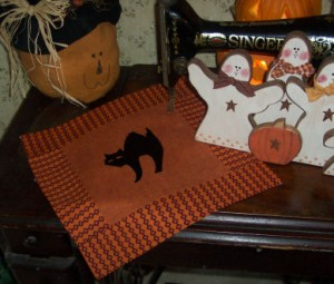 Halloween Silhouette Pillow AND/OR a Halloween Silhouette Quilt