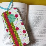 Scrappy-Fabric-Bookmark