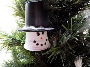 Upcycled-Plastic-Cup-Snowman-Ornament