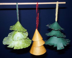 paper ornaments 15 Fabulous Homemade Christmas Ornaments for Kids