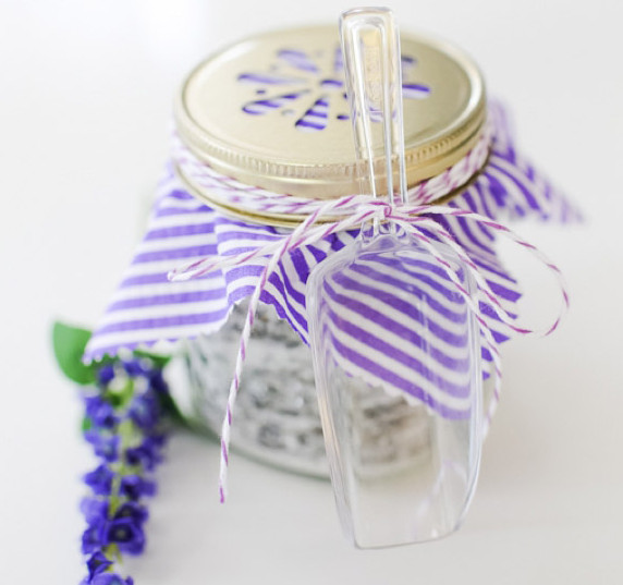 bath salts How to Give the Perfect Present: Gifts by Personality