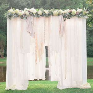 breathtaking bohemian outdoor wedding altar 18 Dreamy Altars and Aisles