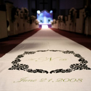 classic diy aisle runner 18 Dreamy Altars and Aisles