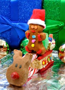 peeps3 Delicious DIY: Use PEEPS® to Make a Christmas Candy Sleigh