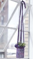 plant hanger Use Yarn for These Unforgettable Home Decor Crafts