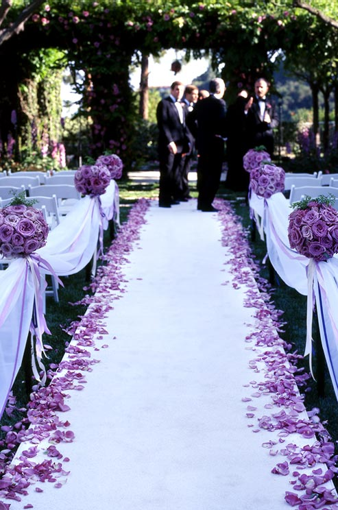 purple12 2 detail 17 Ways to Make Radiant Orchid Happen in Your Wedding