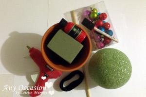santa1 How To Make a Shiny Santa Topiary
