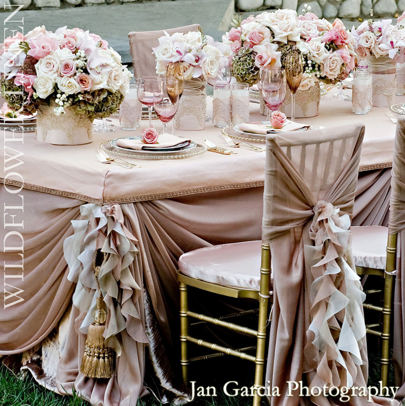 Pink-Champagne-Ivory-Classic-Vintage-Wedding-Decor-