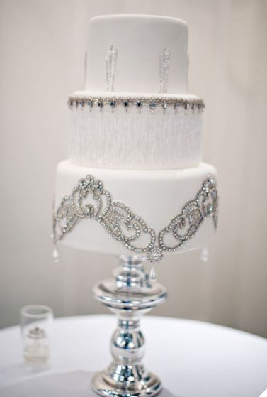 cake Wedding Trends: Opposites Attract