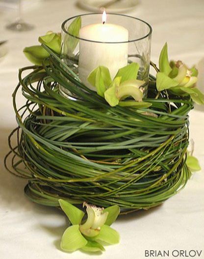 green table piece Wedding Trends: Opposites Attract